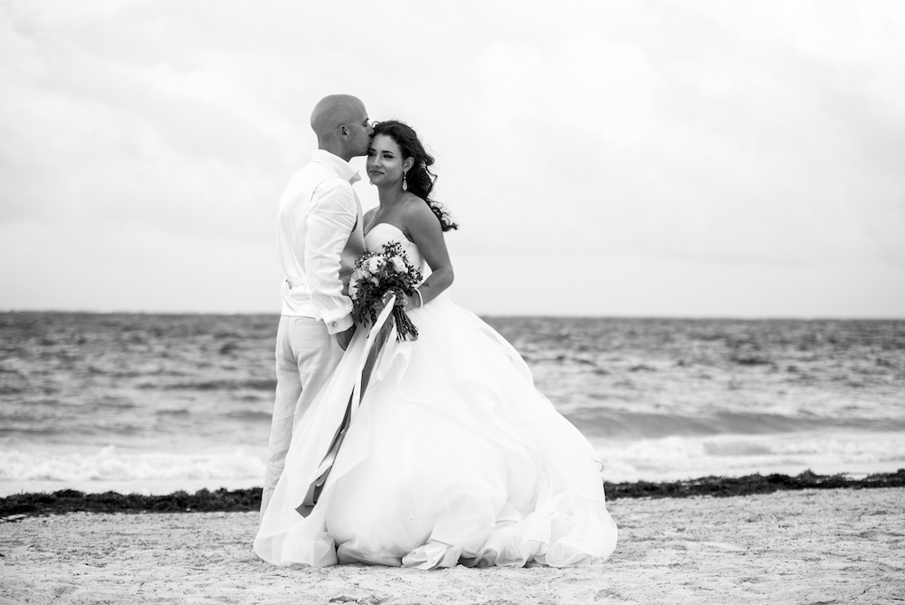 Miragliotta Wedding 2017 Beach Kiss BW