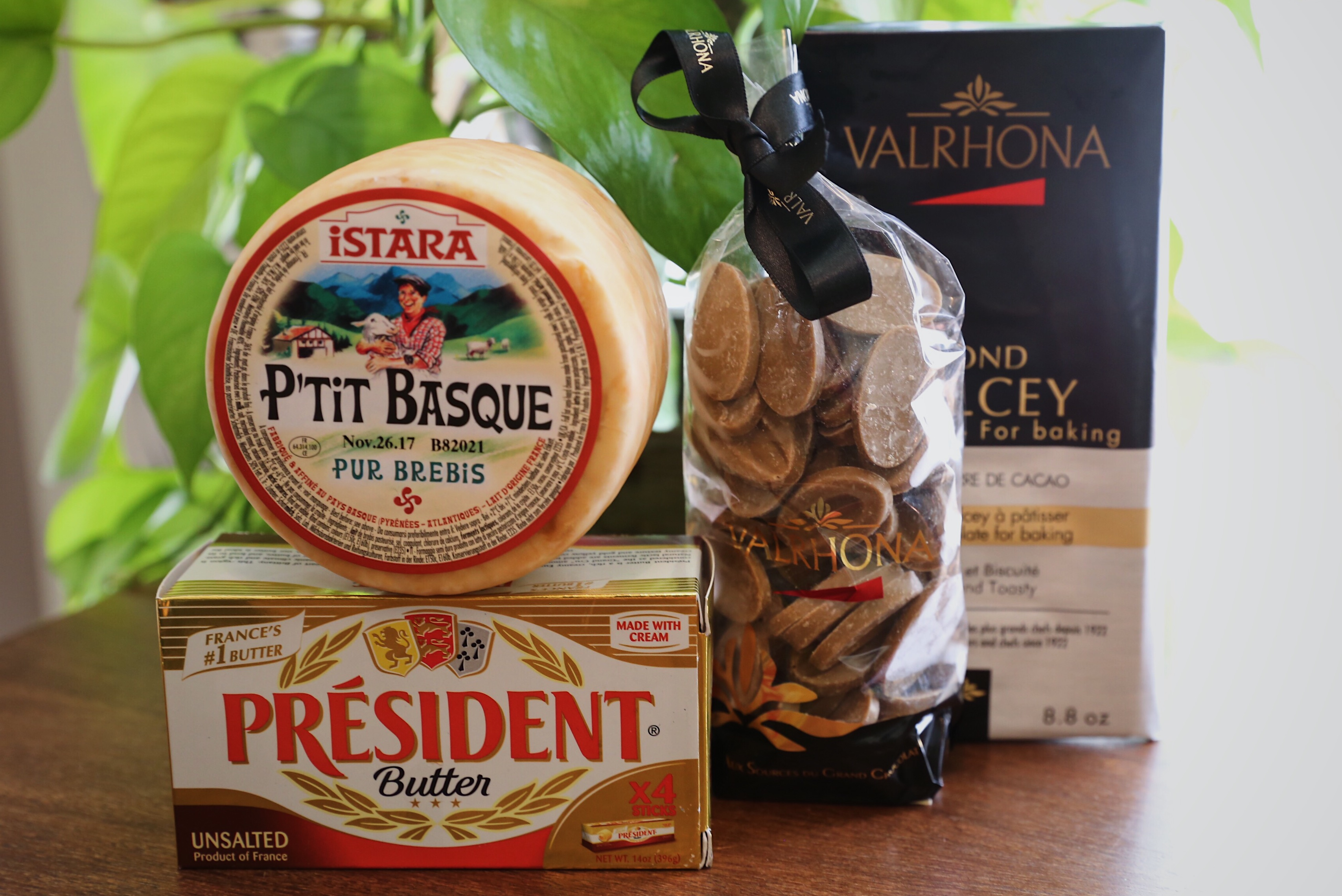 VALRHONA Dulcey 32% baking bar Orelys 35% 500g baking bag President Butter ISTARA P'TIT BASQUE
