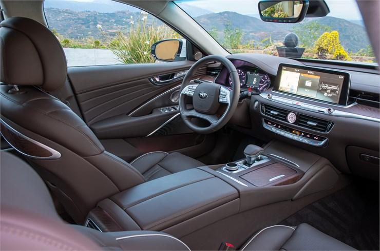 Kia 2019 K900 Front Seat