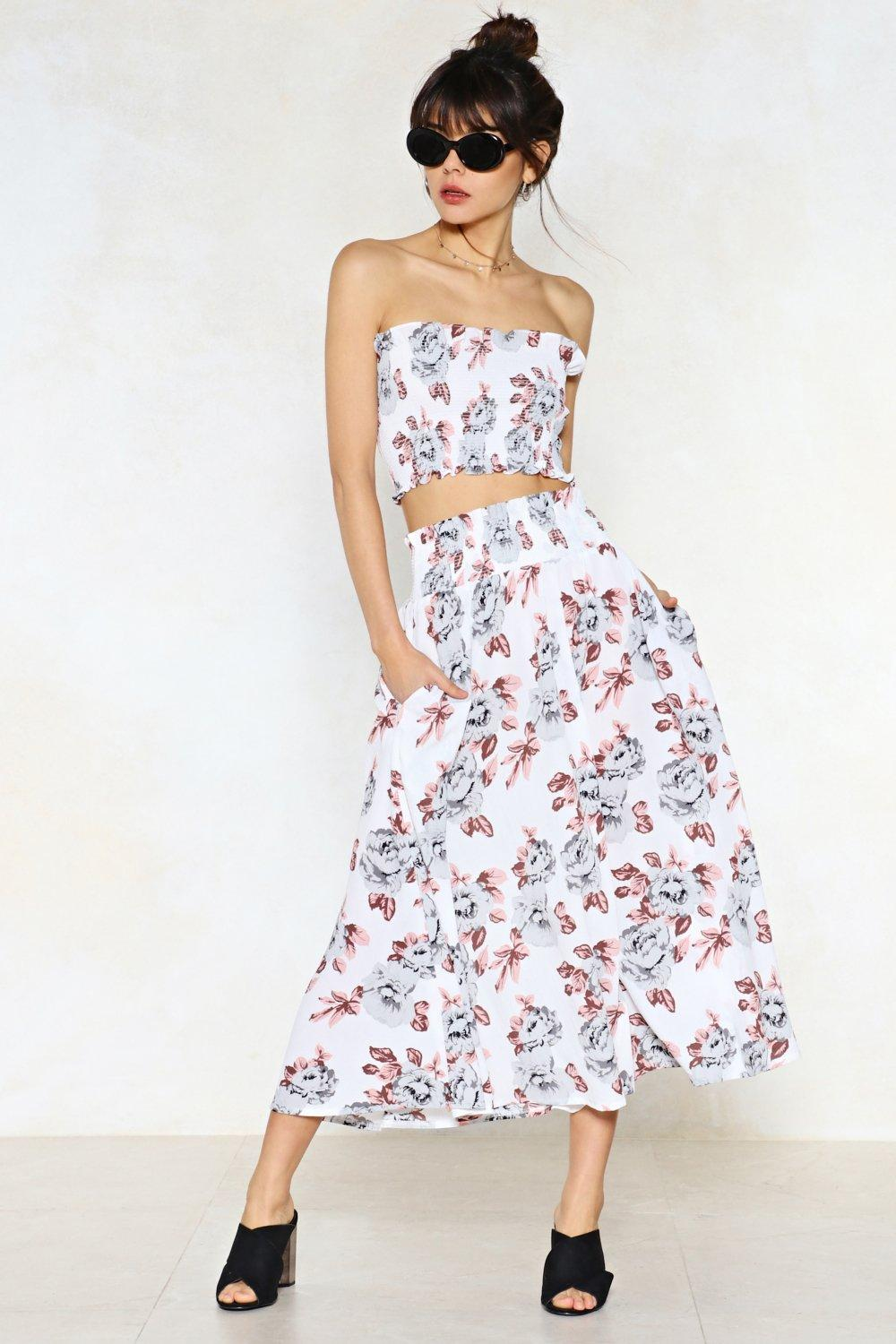 NASTY GAL Late Bloomer Floral Crop Top and Skirt Set