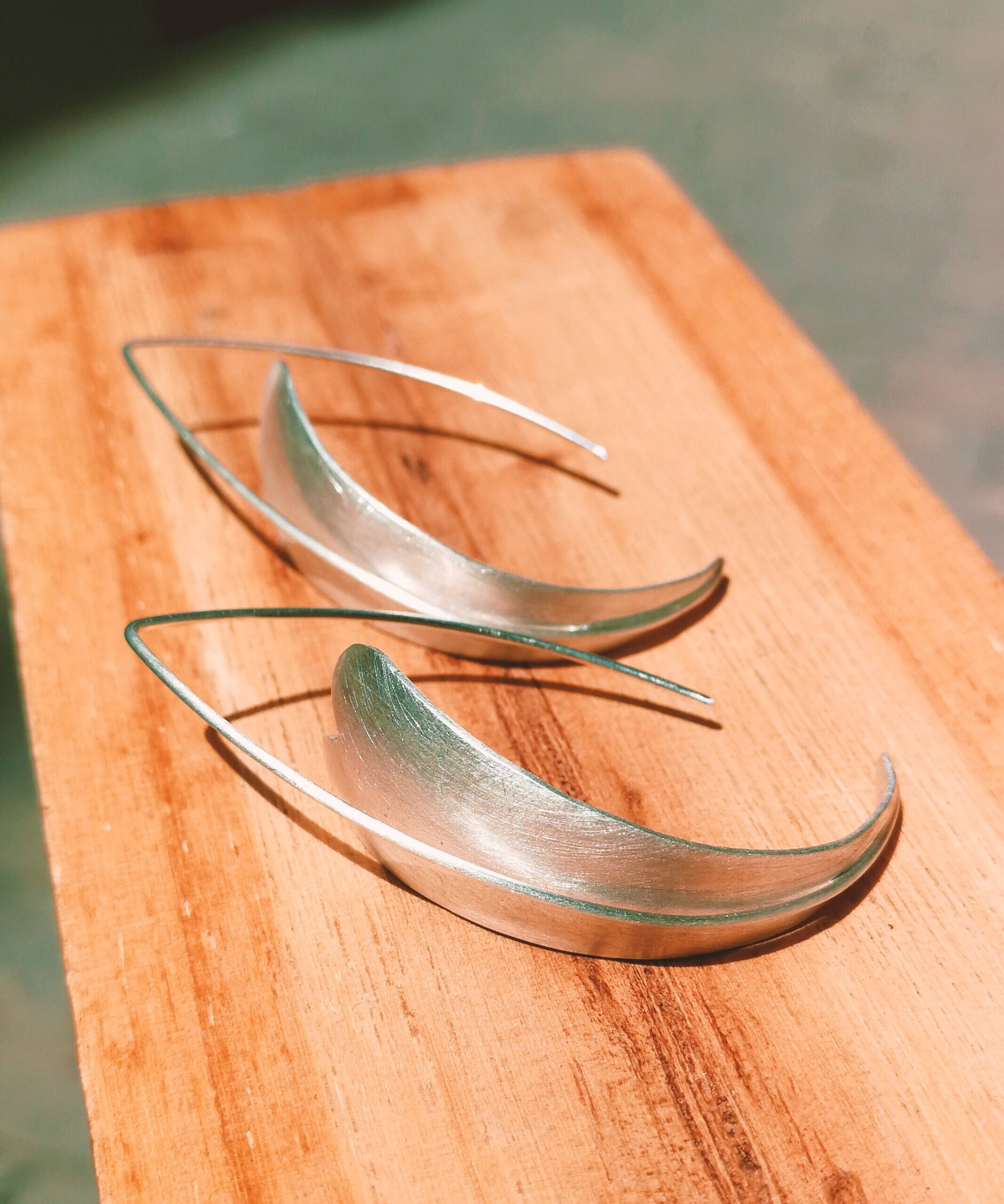AtelierBcnJoiaShop silver drop leaf earrings